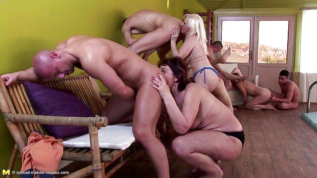 Consolador videos porno xxx en español latino en el baño